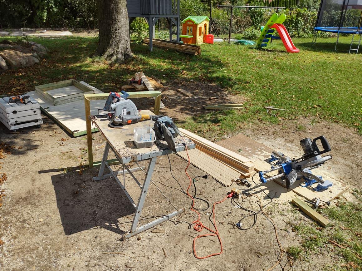 Budowanie budy dla psa - narzędzia
