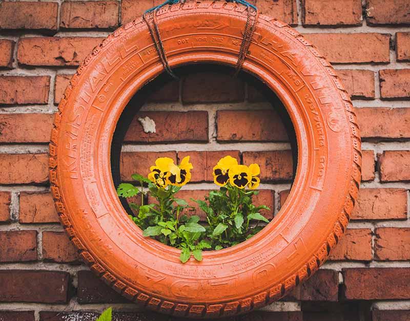 ozdoby do ogrodu z opon